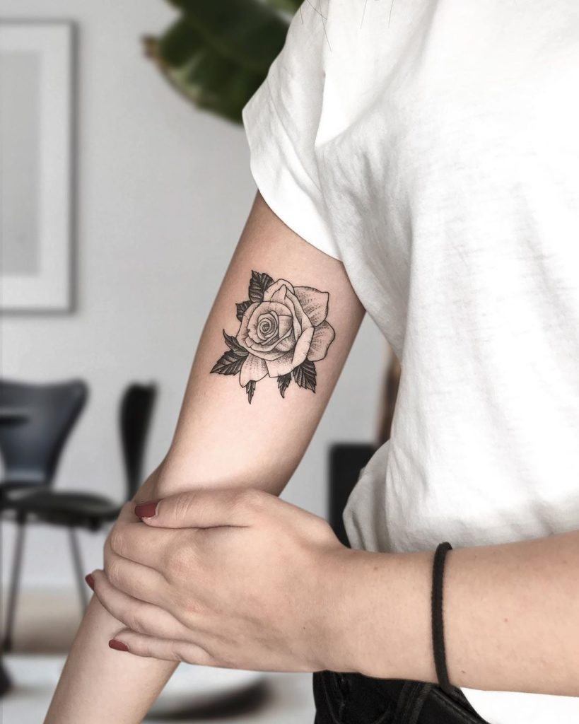 chele Costante Tattoo - rosa